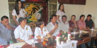 El ingeniero Yader García durante la conferencia de prensa de los Leones de León.
