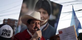 En la imagen, el expresidente de Honduras Manuel Zelaya. EFE/Gustavo Amador/Archivo