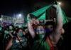 Cientos de miles de personas festejan la despenalización del aborto después de que se aprobase en el Senado este miércoles en Buenos Aires, Argentina. EFE/Juan Ignacio Roncoroni/Archivo