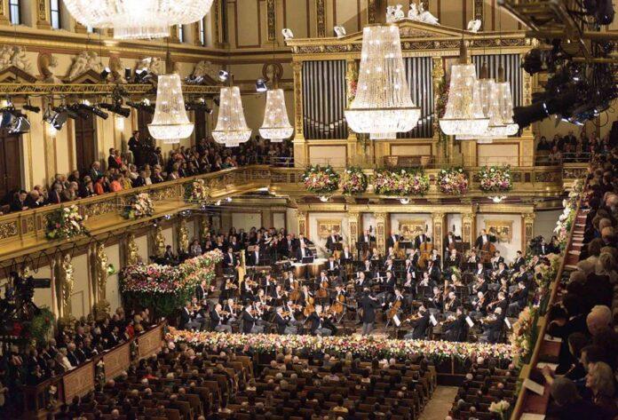 Vista del tradicional Concierto de Año Nuevo de la Orquesta Filarmónica de Viena dirigida por el maestro italiano Riccardo Muti en pasadas ediciones. EFE/RTVE Terry Linke